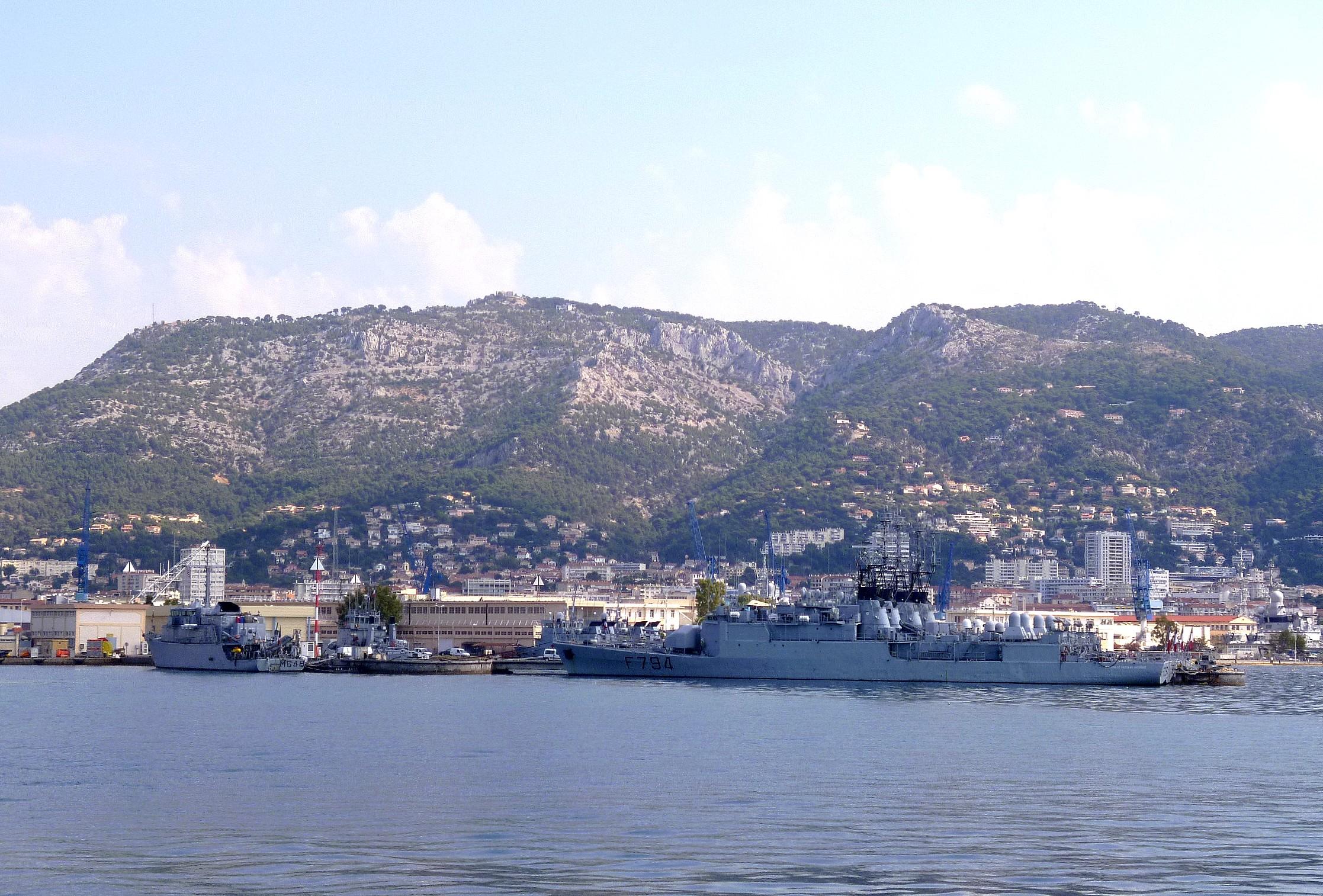 Les news en images du port de TOULON - Page 36 9565101720_e9c1900f28_o