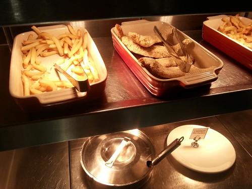 Lufthansa+heathrow+lounge+catering+food