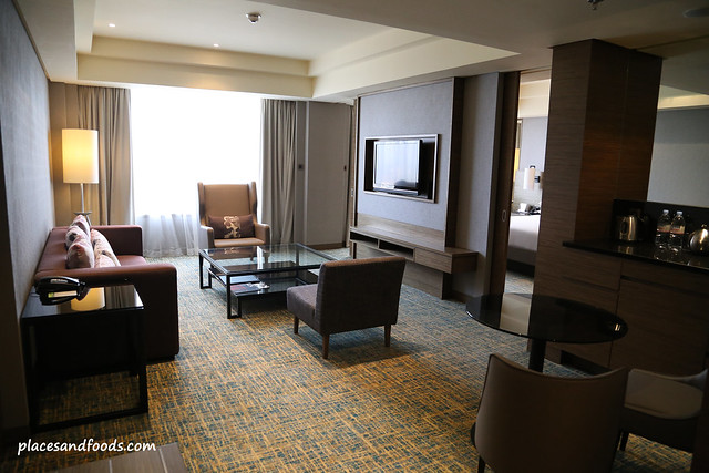 Renaissance johor bahru hotel places and foods for Living room jb