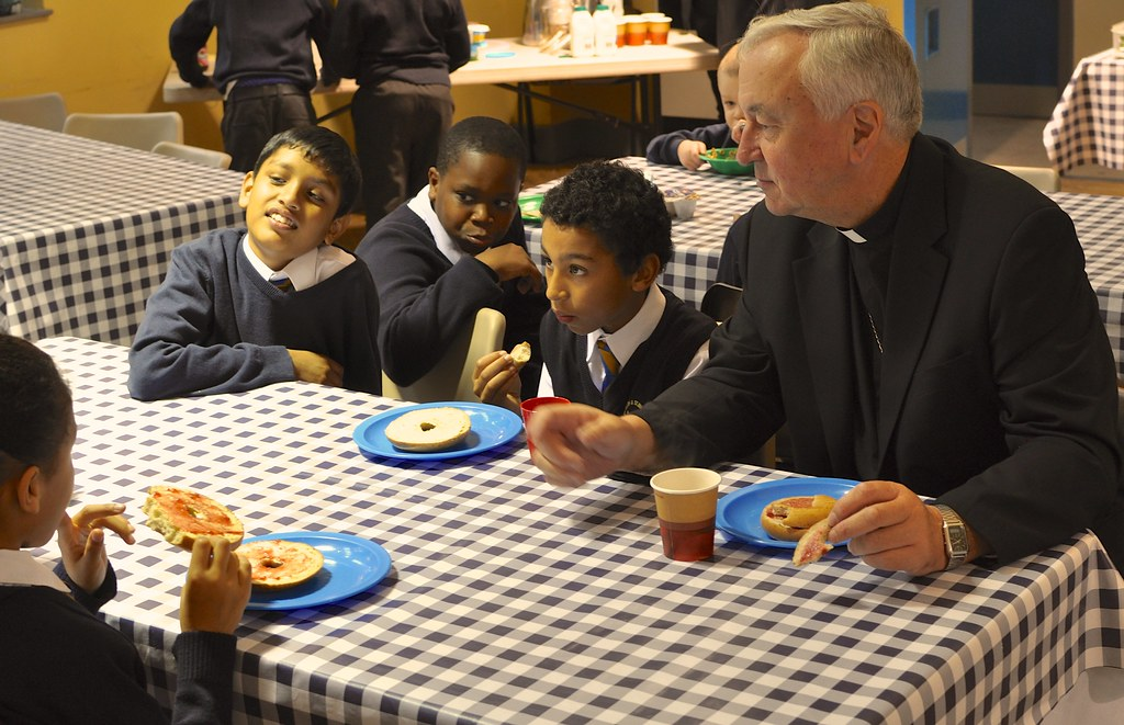 Archbishop visits Caritas/Magic Breakfast project in Tower Hamlets