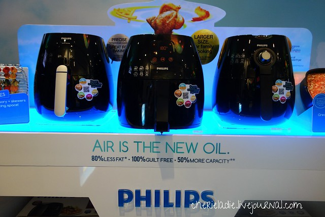 3 different models of the Philips Air Fryer
