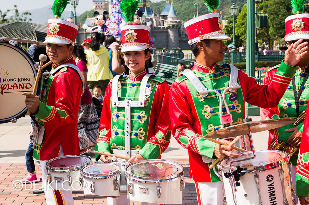 HKDL - Main Street USA Christmas Town - Main Street Band 2