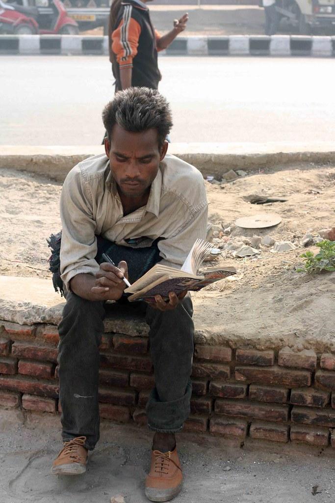 Mission Delhi – Mister Suneel, Ramleela Maidan