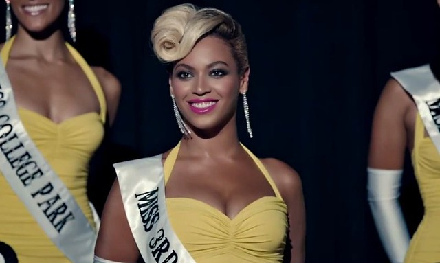 beyonce dressed as a beauty queen