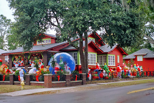Christmas House, Riverside