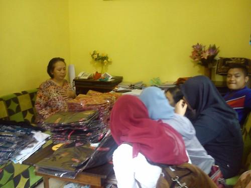 baju seragam batik