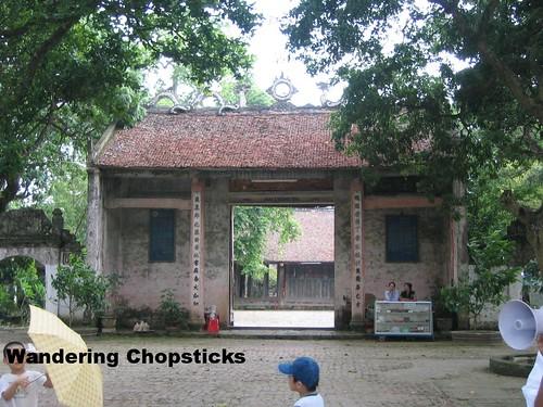 Tien Dung Chu Dong Tu Temple - Binh Minh - Vietnam 1