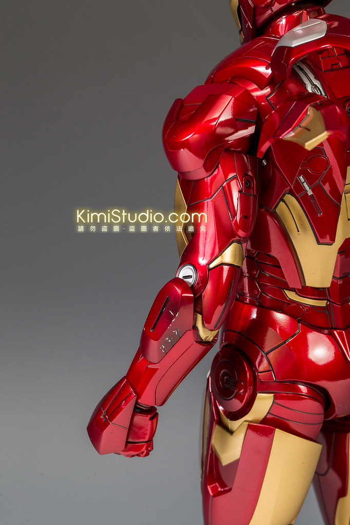 2013.06.11 Hot Toys Iron Man Mark VII-029