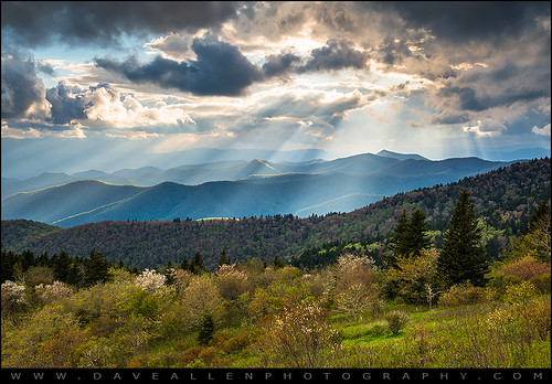 blueridgeparkway northcarolina nc wnc greatsmokymountains rays appalachians scenic landscape spring mountains lightrays crepuscular sunbeams valley asheville nature outdoors outdoorphotographer smokymountains nationalpark springtime light appalachian blueridge epic