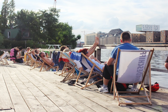 Badeschiff Berlin deck chairs