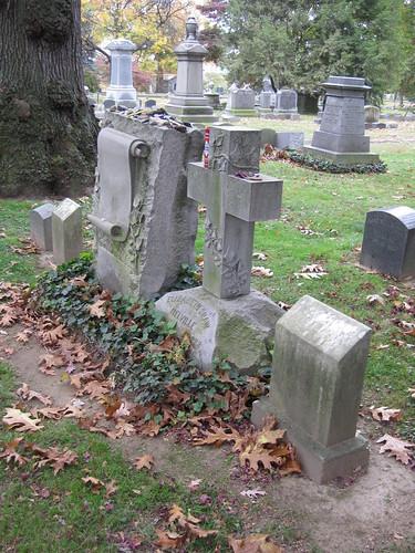 Melville Family Gravesite-009