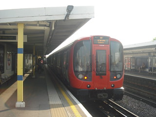S7 21357 on Circle Line, Shepherd's Bush Market