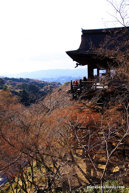 Kiyomizudera (清水寺)Temple hondo side view