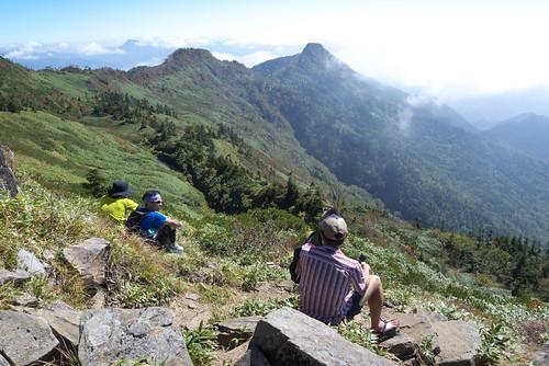 武尊山頂でひといきです