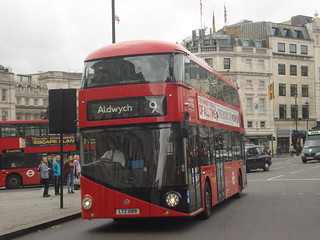 London United LT89 on Route 9, Trafalgar Square