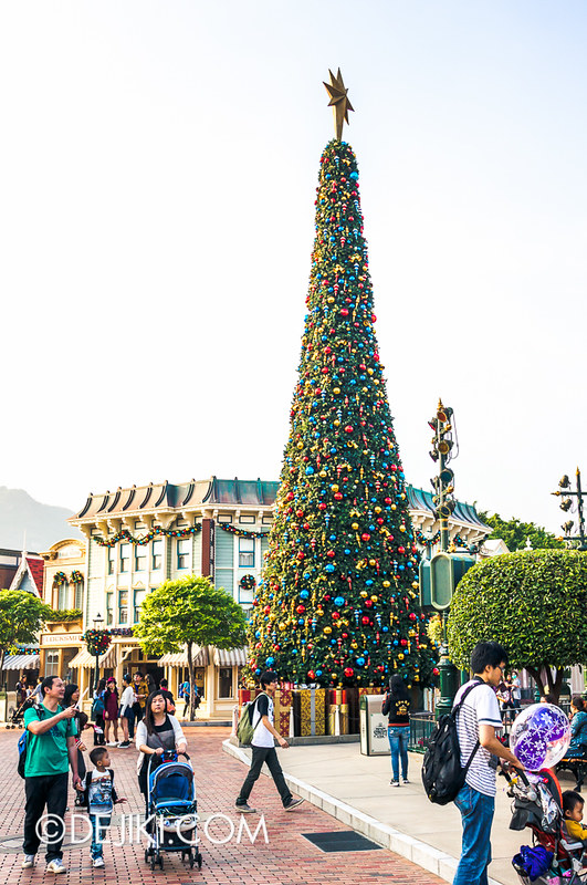 HKDL - Main Street USA Christmas Town - Christmas Tree