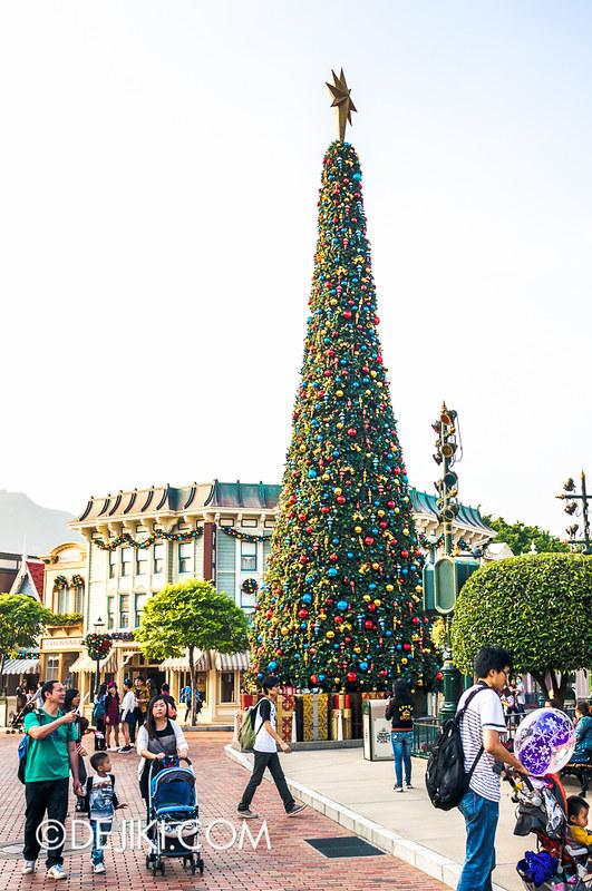 HKDL - Main Street USA Christmas Town - Christmas Tree