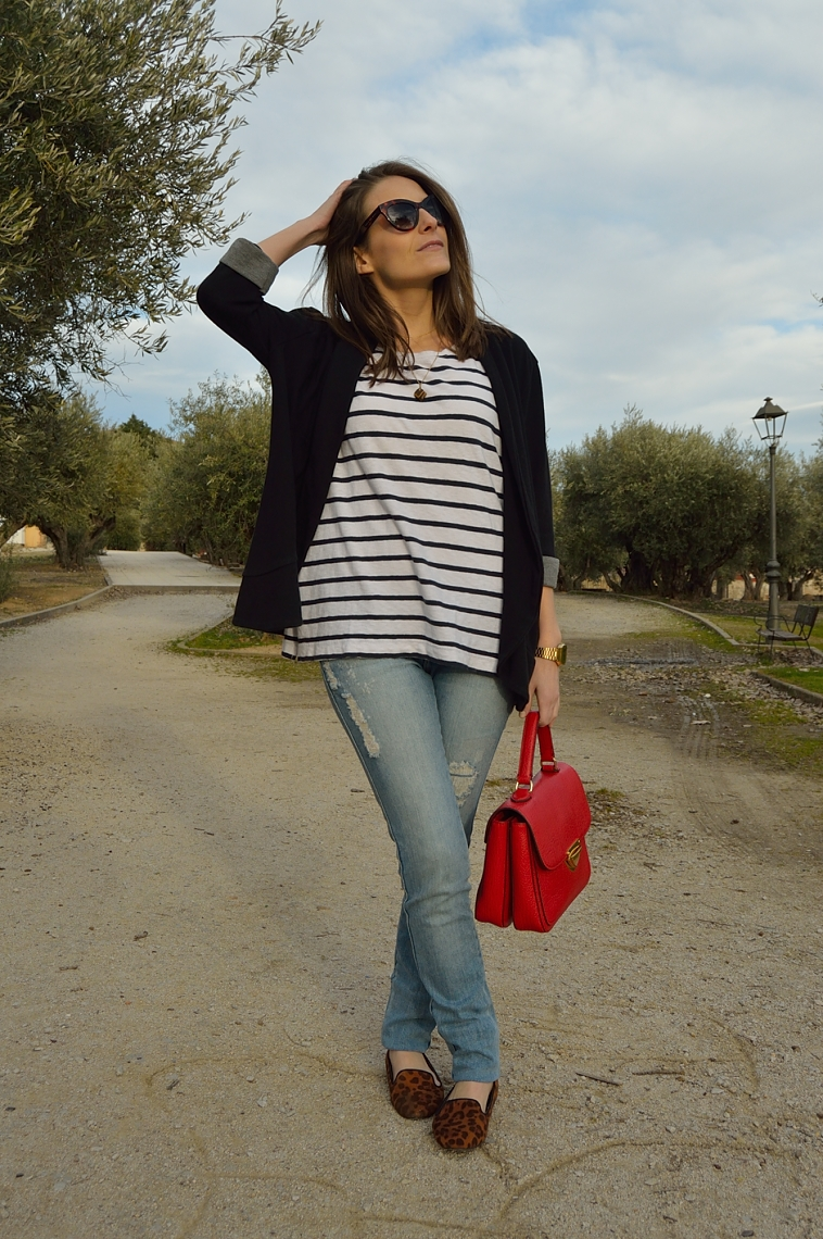 lara-vazquez-madlula-blog-casual-stripes-red-leopard-look