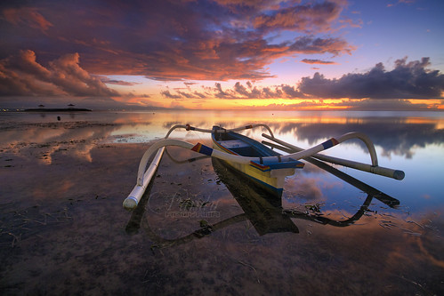 sky bali cloud beach sunrise indonesia landscape photography boat amazing tour guide pantai sanur karang baliphotography balitravelphotography baliphotographytour baliphotographyguide