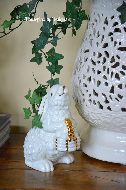 Garden Stool Vase/bunny