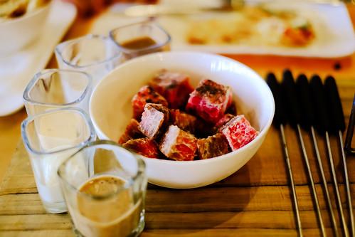 牛肉生產產生的溫室氣體排放是雞肉或豬肉的5倍以上。圖片取自flickr CC授權,Daniel Y. Go攝。