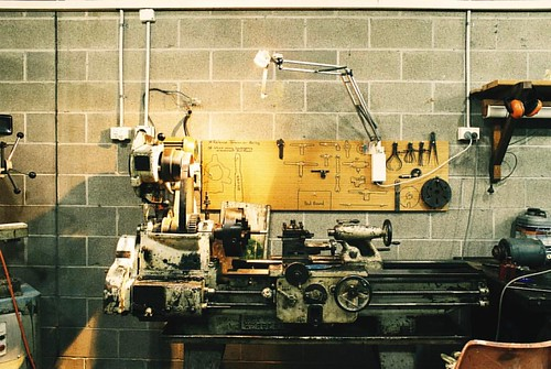 #analoguepeople #filmfeed #tools #mensshed #machine #workshop #realmen #vsco • • • #greendesk #somewheremagazine #thefilmfolk #heyfsc #photofilmy #ishootfilm #ACCESScommunity #worldnomads #myfeatureshoot #filmisnotdead #livefolktakeover #eifelexplorers #l