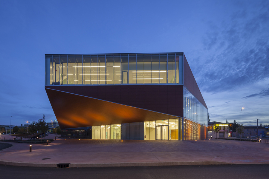 Media Library of Montauban design by Colboc Franzen & Associés