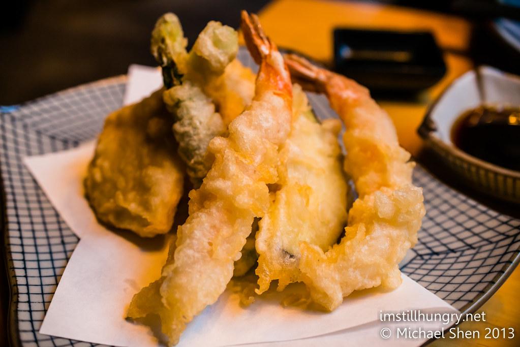 Kuki tanuki assorted tempura prawns, asparagus, sweet potato and egg plant.