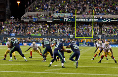 Loudest crowd roar at a sports stadium Seahawks-14