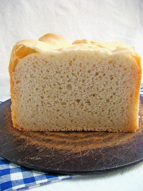 белый хлеб с оливковым маслом