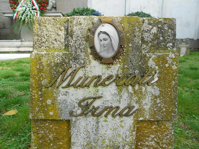 vittima dell'alluvione del Po rappresentata da Madonna nel sacrario di San Lorenzo, Frassinelle Polesine