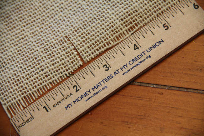 Cutting-Burlap_Small-cut