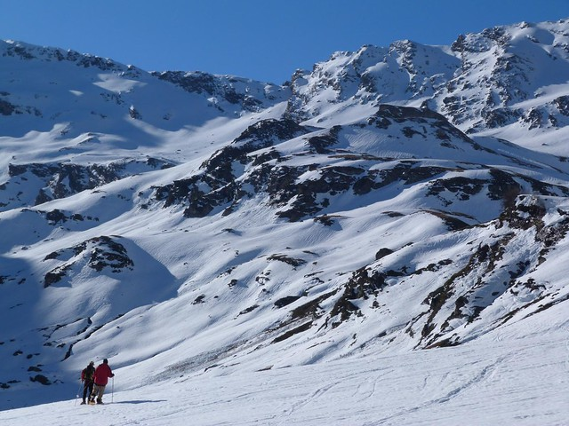 Caminando con raquetas de nieve en Saint-Lary (Francia)