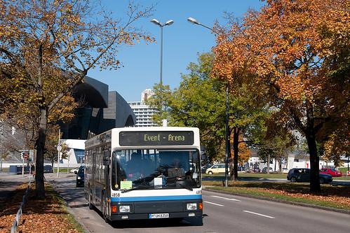 Der zweite Kurs des Shuttles wird vom Wagen 4858 des OCM gefahren