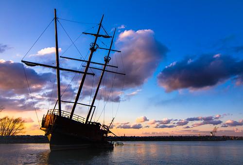 sunset toronto ontario canada art nature landscape ship harbour niagrafalls niagra shipwreck wreck