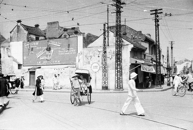 HANOI 1940 - Góc Phố Hàng Gai - Hàng Đào