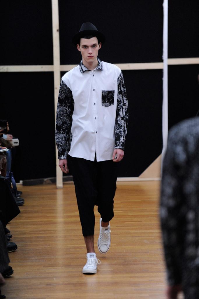 Adam Abraham3070_FW14 Paris Comme des Garcons Shirt(Style.com)
