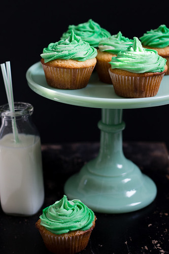 Irish Vanilla Cupcakes with Baileys Buttercream Frosting