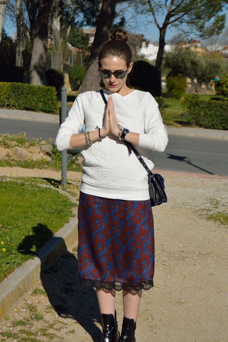 lara-vazquez-madlula-blog-style-midi-skirt-peace
