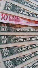 10 dollars - Euro