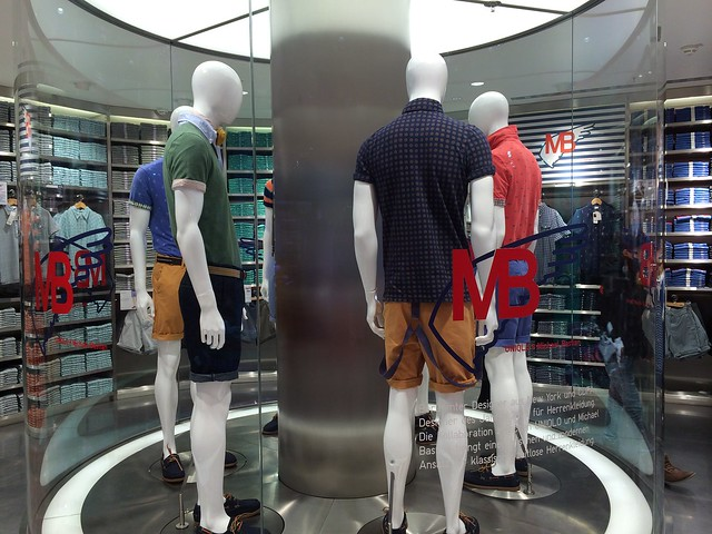 Berlin Uniqlo flagship store opening_Michael Bastian collaboration display with mannequins