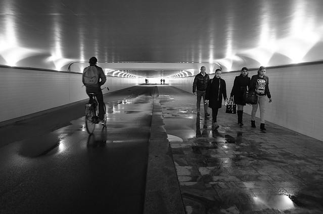 voetganger / fietserstunnel Centraal Station, Rotterdam