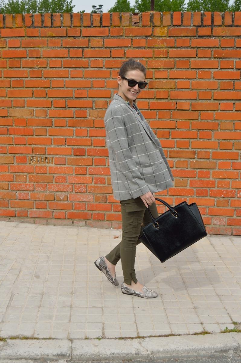 lara-vazquez-madlula-grey-olive-look