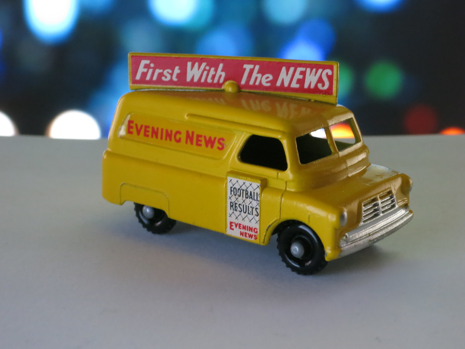 Matchbox Lesney 42a Bedford Evening News Van