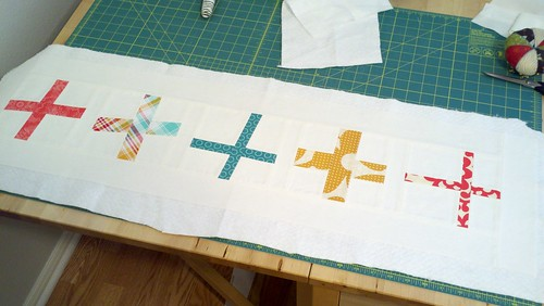 wonkey cross table runner