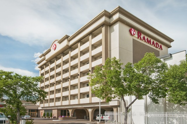 Edmonton Ab Hotels Near West Edmonton Mall
