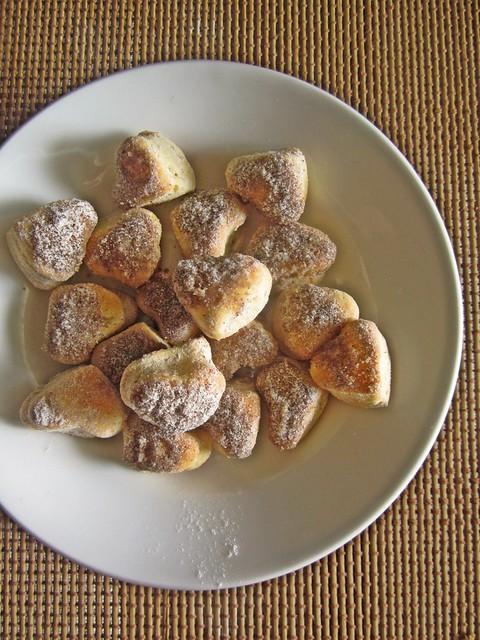Eggless Baked Doughnuts