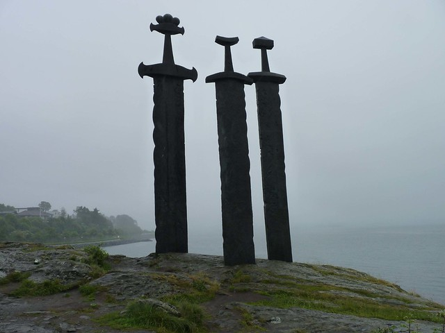 Sverd i fjell on a gloomy day
