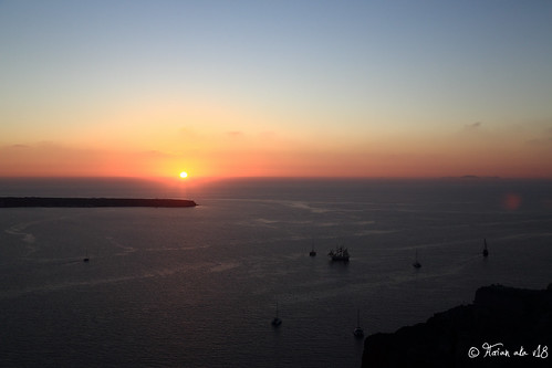 sunset sea sky cliff cloud skyline canon island europe dusk aegean greece 日落 海洋 黄昏 佳能 圣托里尼 希腊 24105mm 爱琴海 悬崖 小岛 菲拉 天际线 5d3 5dmarkiii 圣岛