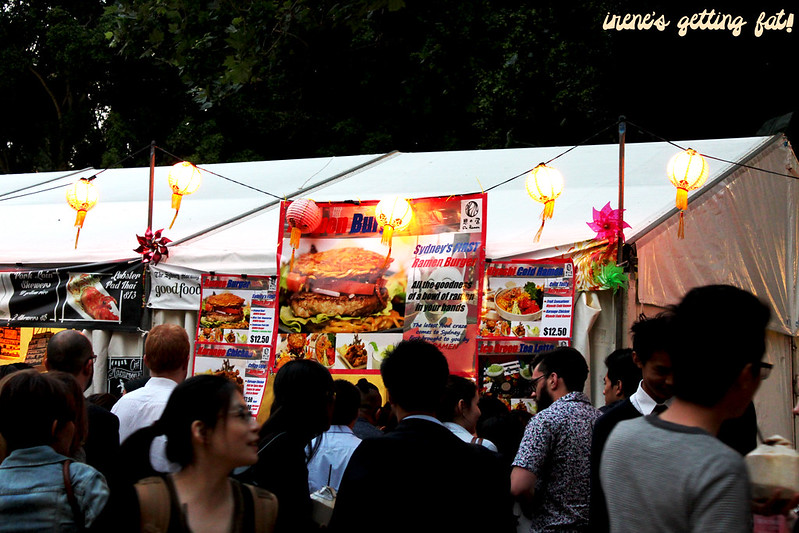 nightnoodlemarket2013-ramen-burger-queue